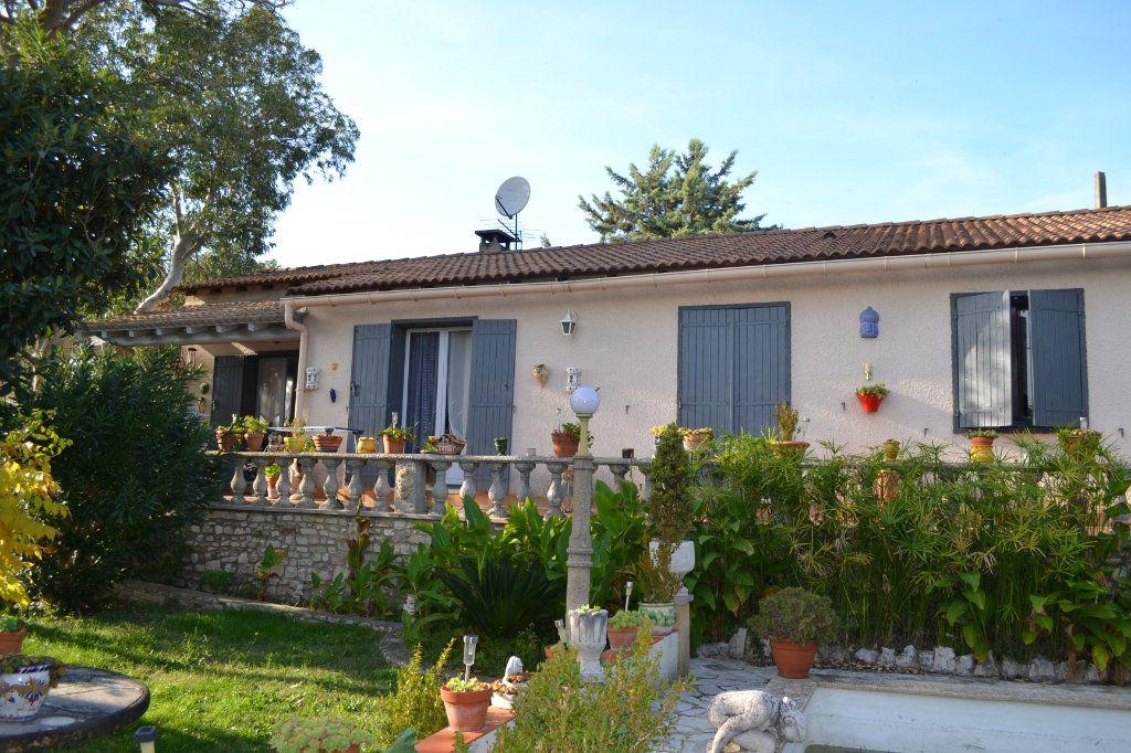 Maison à vendre 5 115m2 à Arpaillargues-et-Aureillac vignette-2