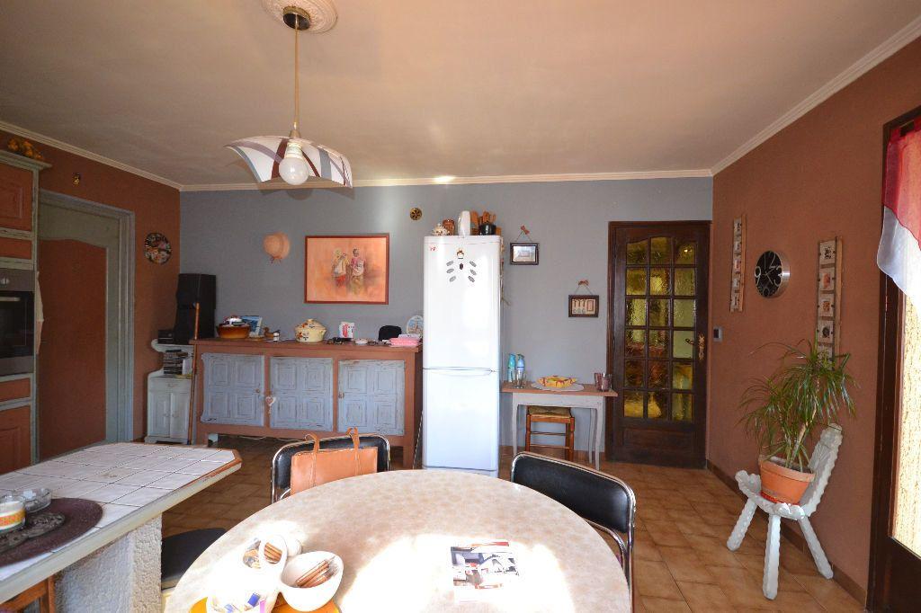 Maison à vendre 5 115m2 à Arpaillargues-et-Aureillac vignette-3