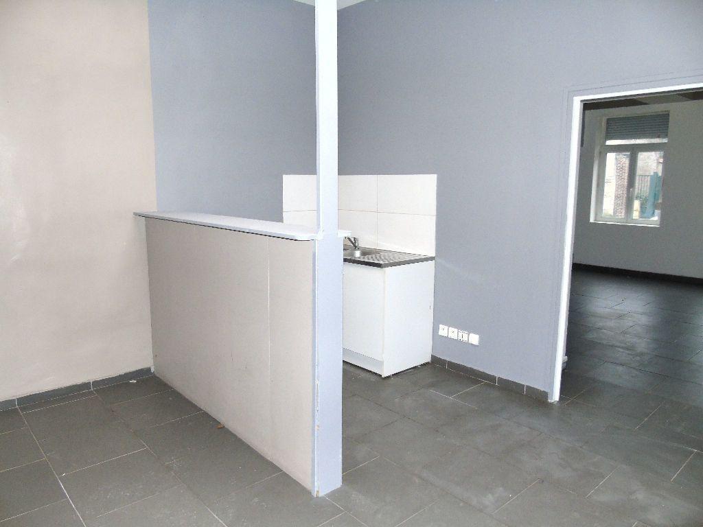 Appartement à louer 2 31m2 à Anzin vignette-4