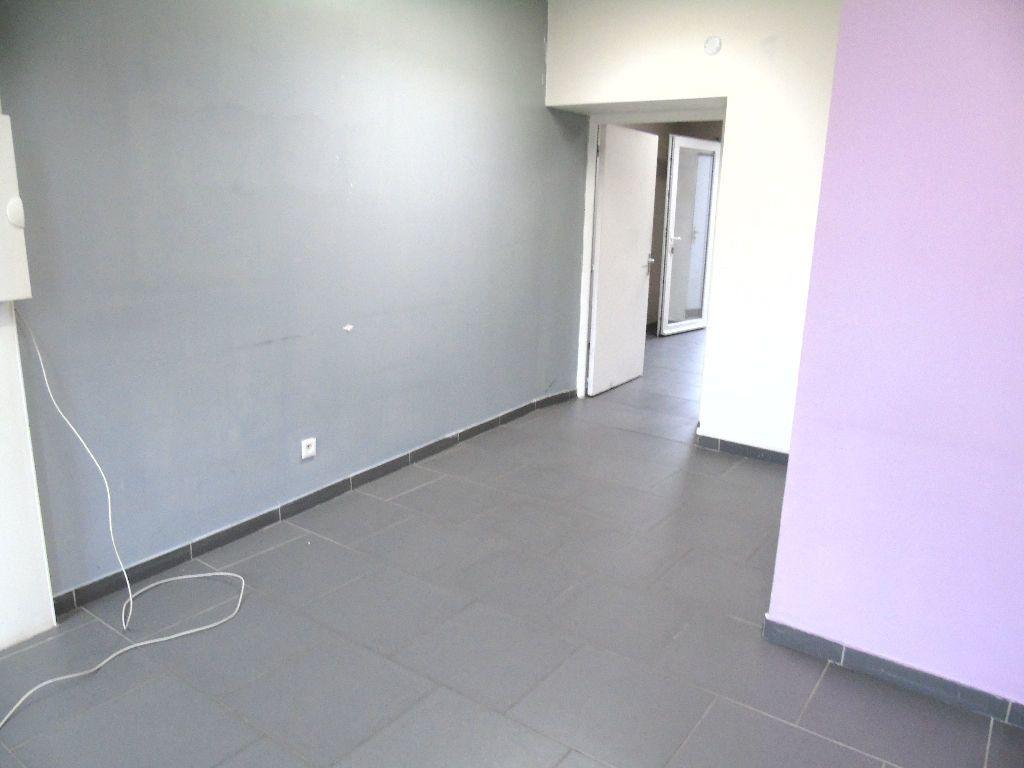Appartement à louer 2 31m2 à Anzin vignette-9