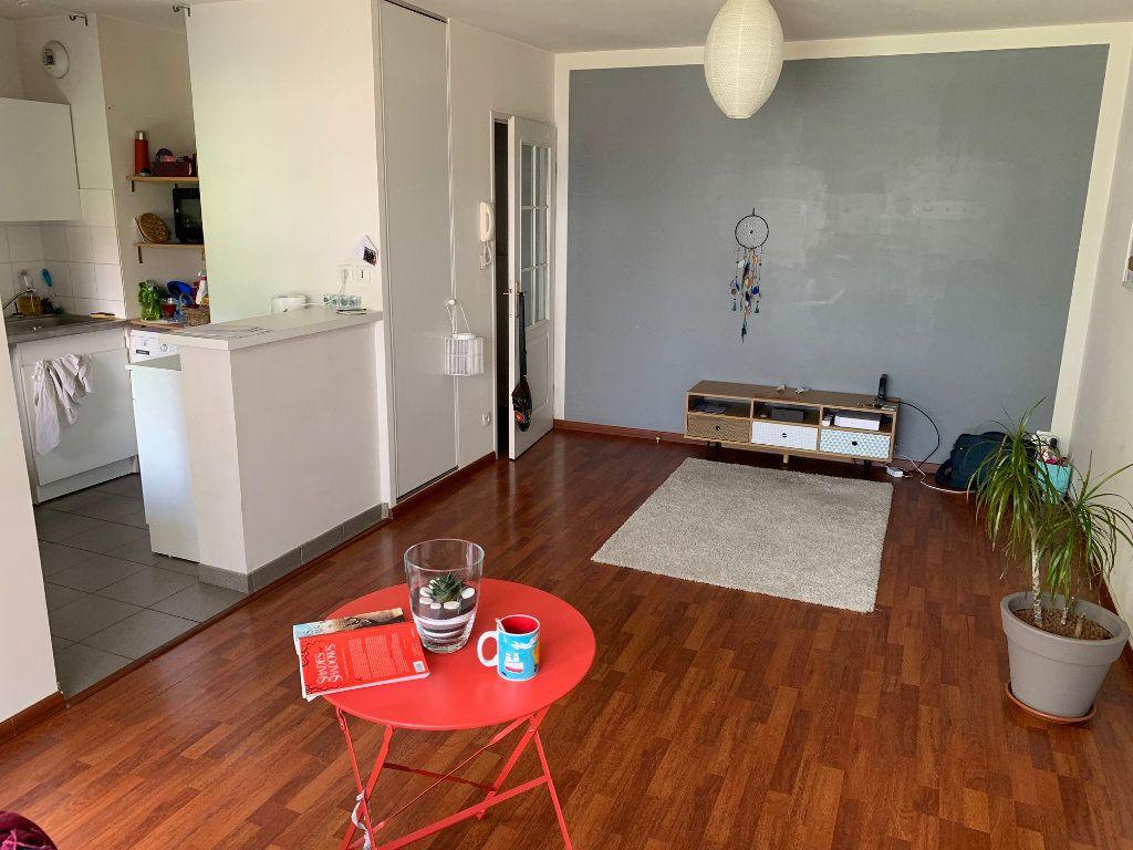 Appartement à louer 2 46m2 à Valenciennes vignette-3