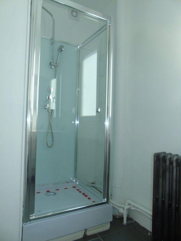 Appartement à louer 4 62.5m2 à Maubeuge vignette-7