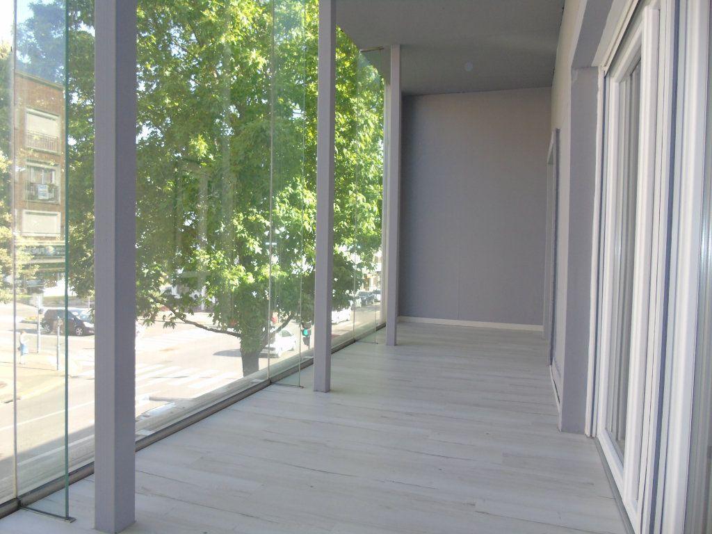 Appartement à louer 4 62.5m2 à Maubeuge vignette-8