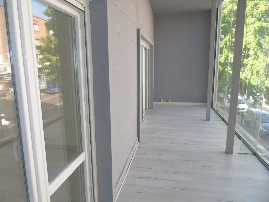 Appartement à louer 4 62.5m2 à Maubeuge vignette-9
