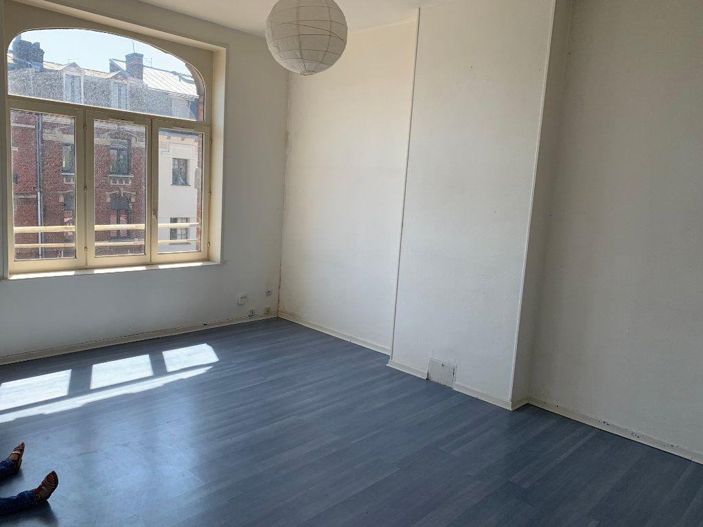 Appartement à louer 4 83m2 à Valenciennes vignette-1
