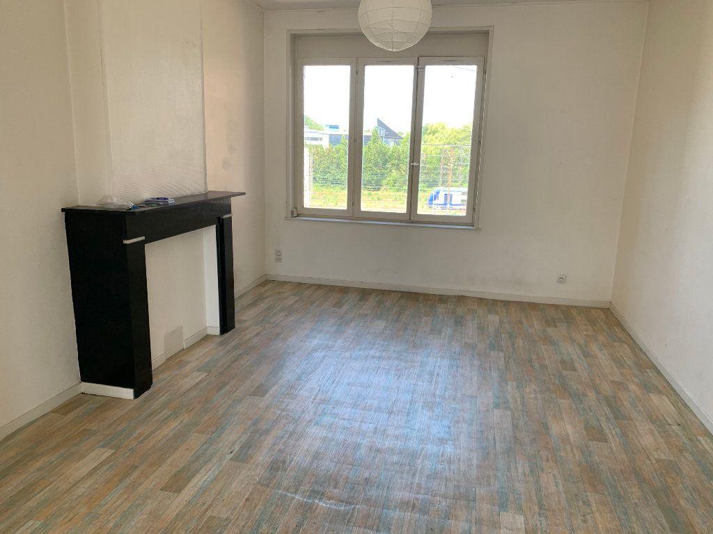 Appartement à louer 4 83m2 à Valenciennes vignette-7