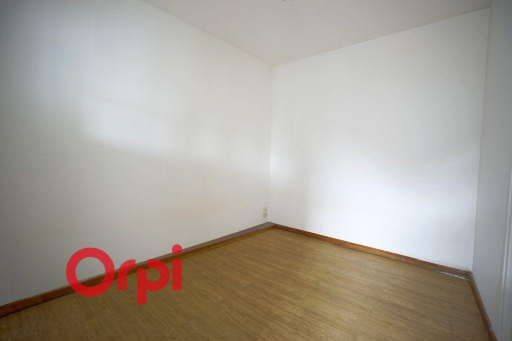Appartement à louer 2 32.38m2 à Bernay vignette-4