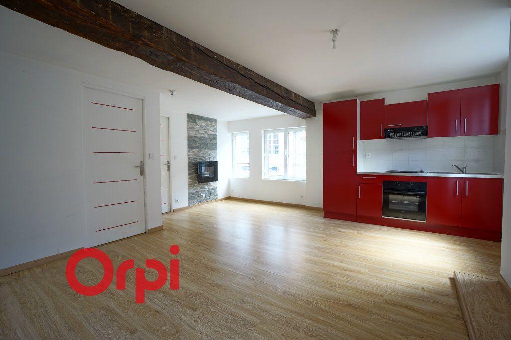 Appartement à louer 3 50.5m2 à Bernay vignette-1