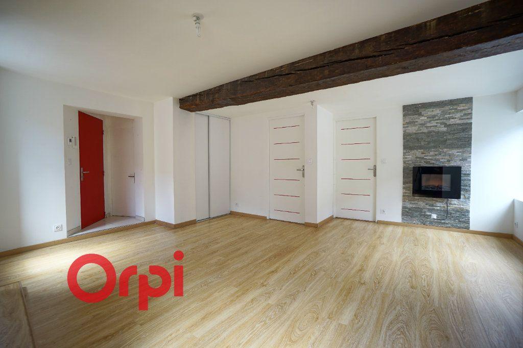 Appartement à louer 3 50.5m2 à Bernay vignette-2