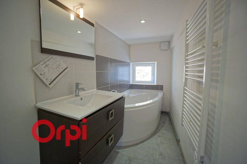 Appartement à louer 3 50.5m2 à Bernay vignette-5