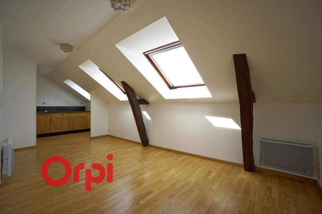 Appartement à louer 3 30.61m2 à Bernay vignette-1