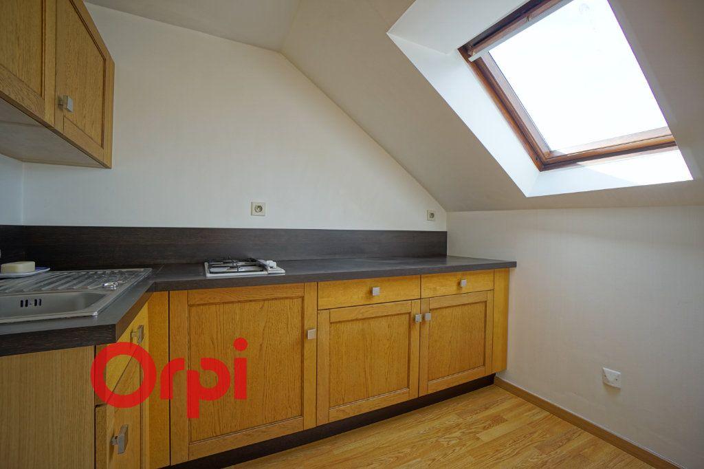 Appartement à louer 3 30.61m2 à Bernay vignette-2