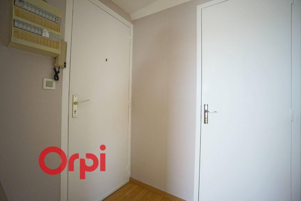 Appartement à louer 3 30.61m2 à Bernay vignette-10