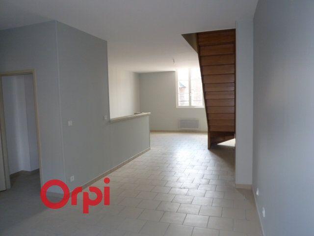 Appartement à louer 3 90.3m2 à Bernay vignette-2