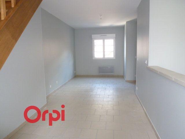 Appartement à louer 3 90.3m2 à Bernay vignette-3