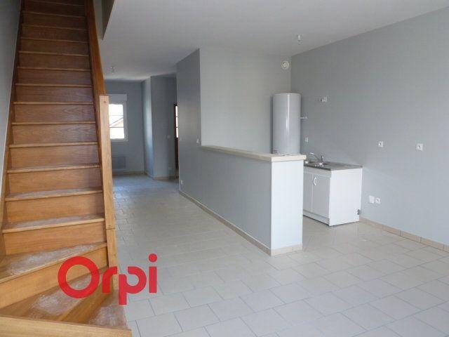 Appartement à louer 3 90.3m2 à Bernay vignette-5