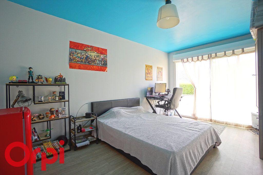 Maison à louer 7 138.84m2 à Bernay vignette-5