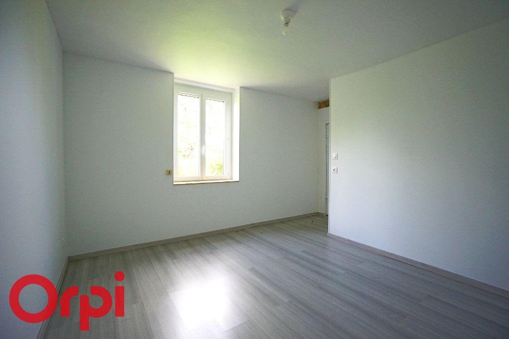 Maison à louer 3 82m2 à Saint-Aubin-le-Vertueux vignette-4