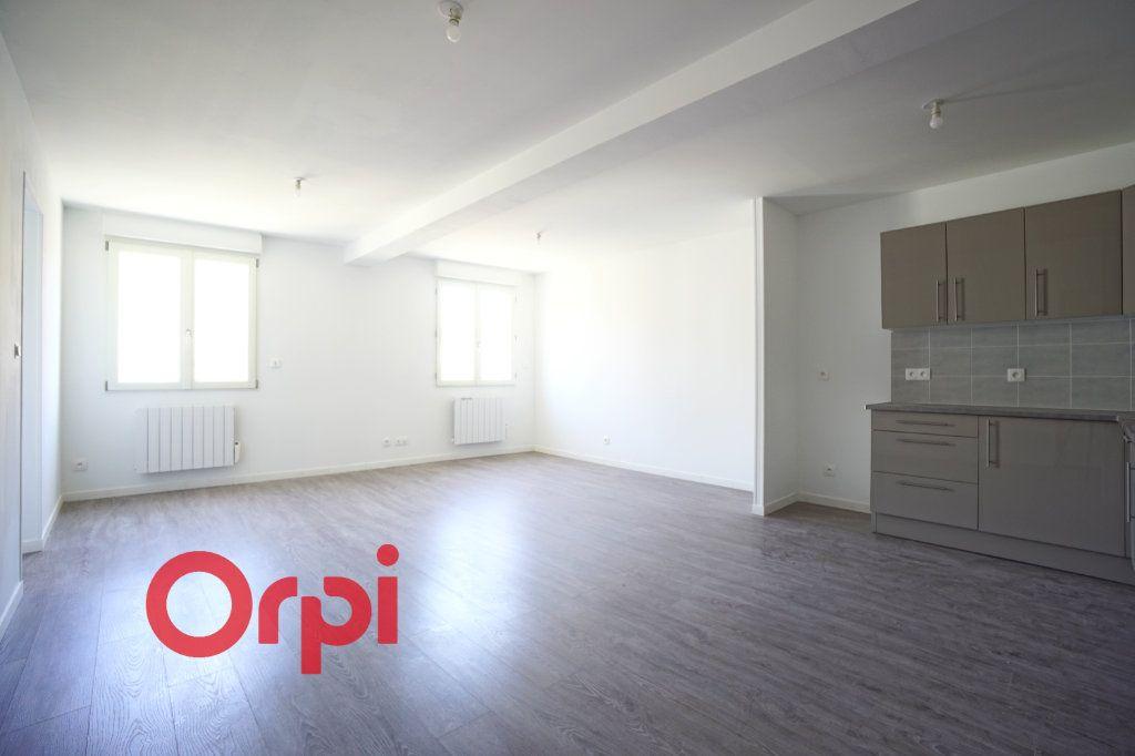Appartement à louer 3 65.7m2 à Bernay vignette-9