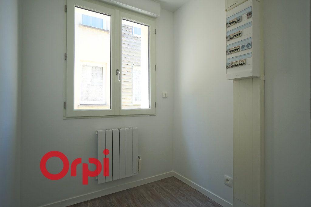 Appartement à louer 3 65.7m2 à Bernay vignette-11