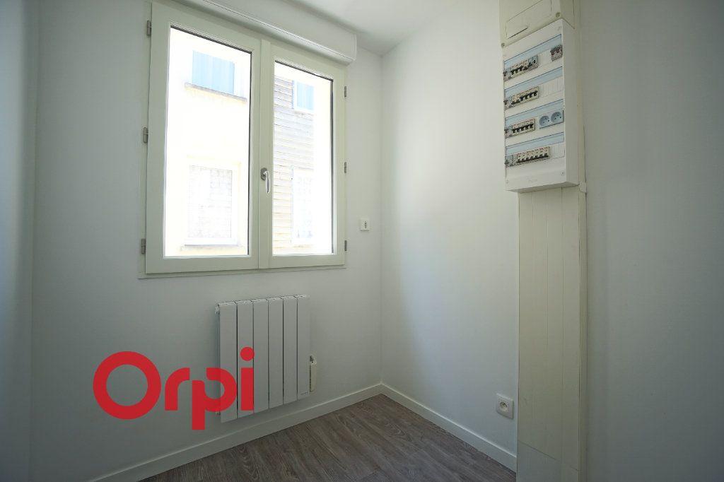 Appartement à louer 3 65.7m2 à Bernay vignette-12