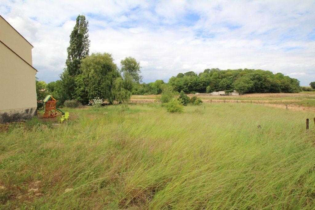 Terrain à vendre 0 837m2 à Nanteuil-le-Haudouin vignette-1