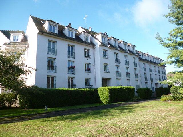 Appartement à louer 6 125m2 à Senlis vignette-1