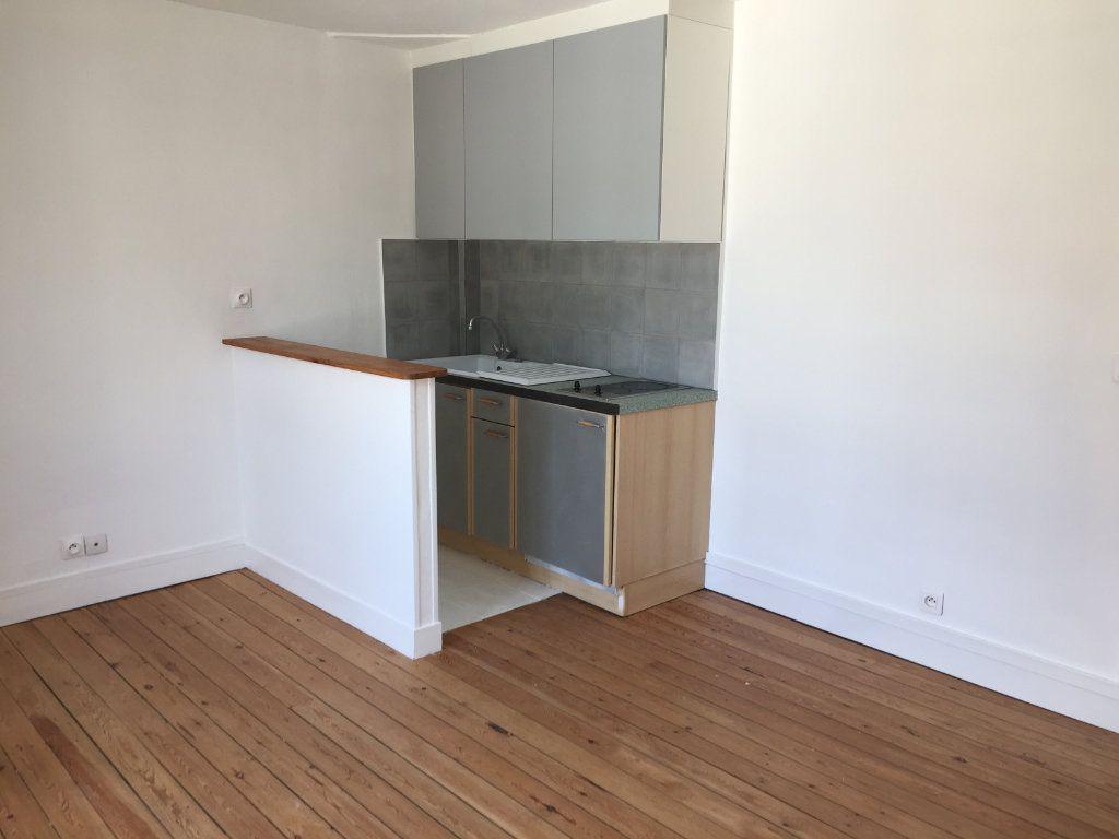 Appartement à louer 2 31.8m2 à Senlis vignette-1