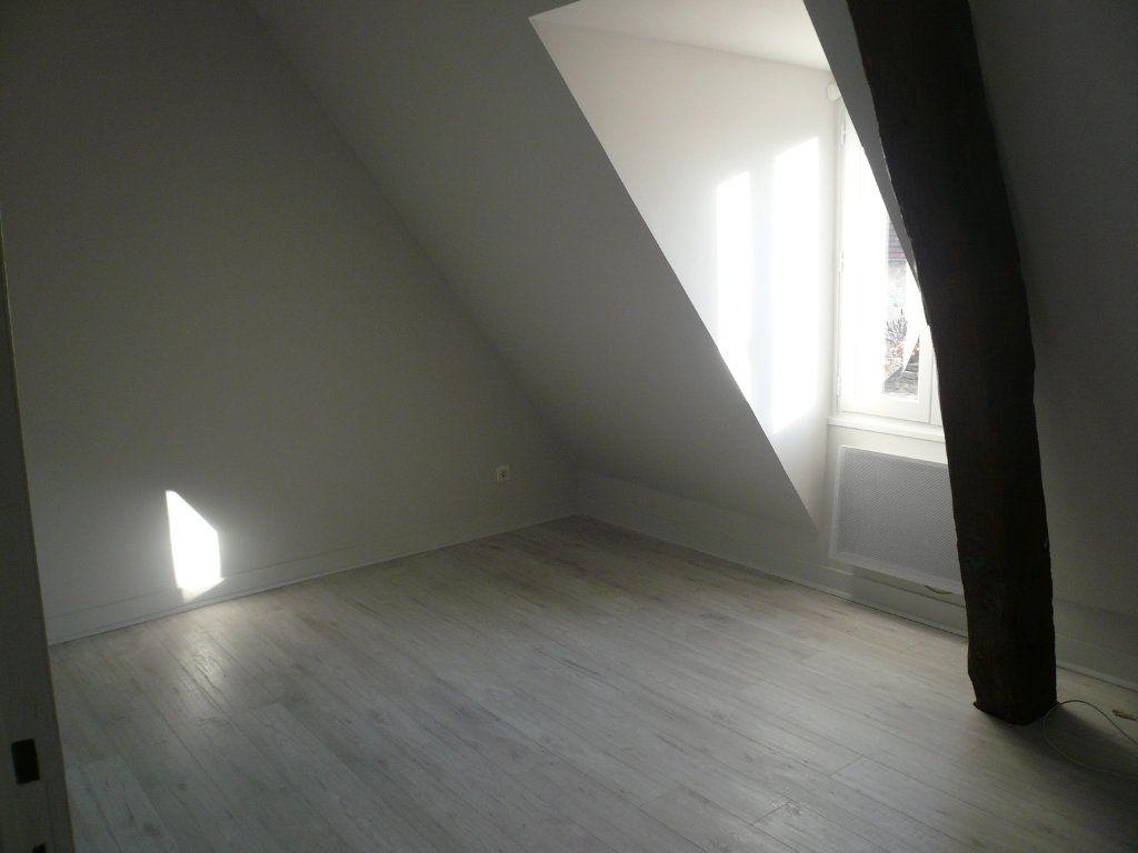 Appartement à louer 2 32.29m2 à Senlis vignette-2