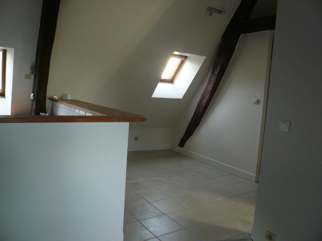 Appartement à louer 2 32.29m2 à Senlis vignette-3