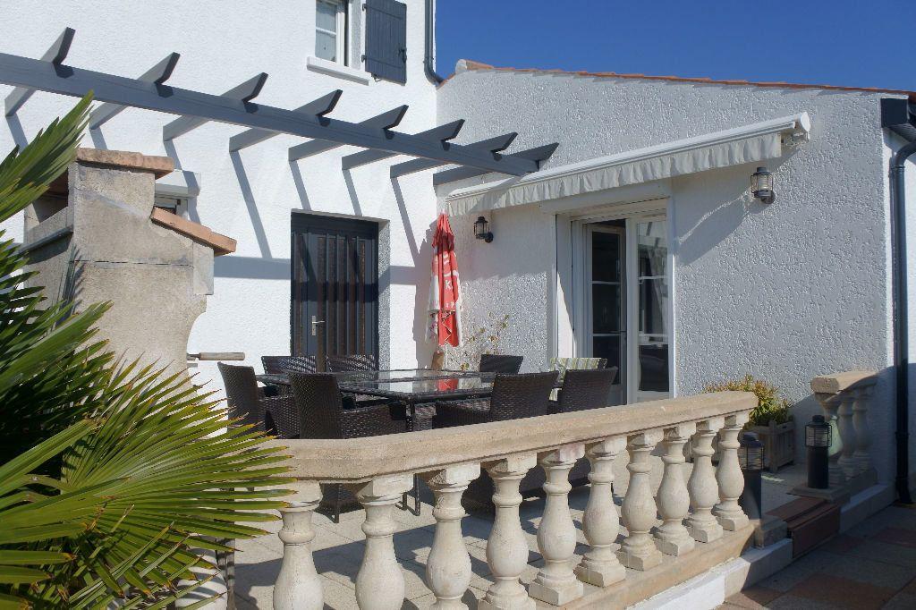 Maison à vendre 6 188m2 à Bourcefranc-le-Chapus vignette-12