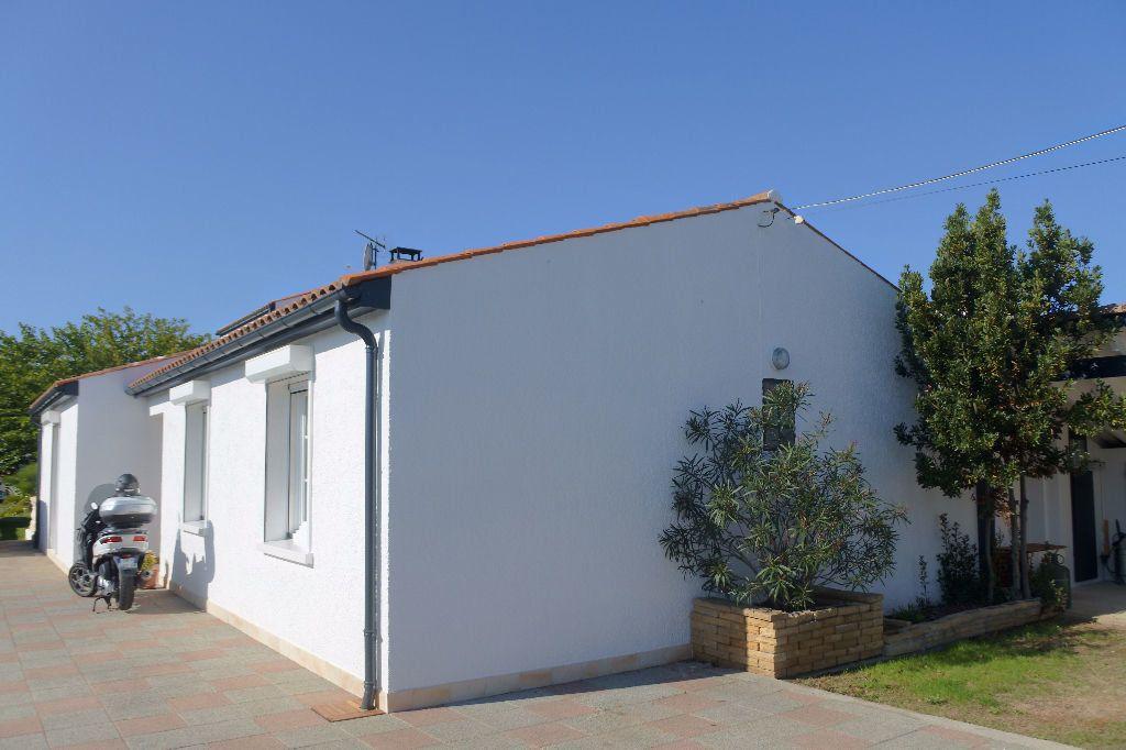 Maison à vendre 6 188m2 à Bourcefranc-le-Chapus vignette-14