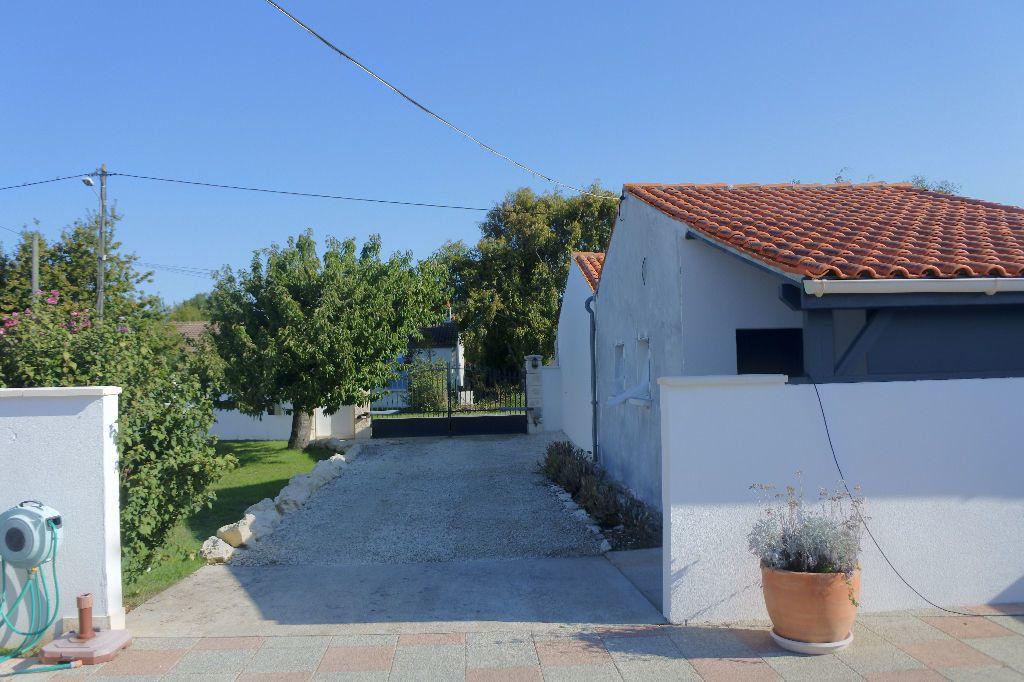 Maison à vendre 6 188m2 à Bourcefranc-le-Chapus vignette-17