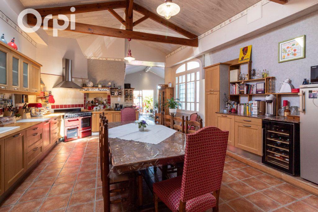 Maison à vendre 6 190m2 à Bourcefranc-le-Chapus vignette-4