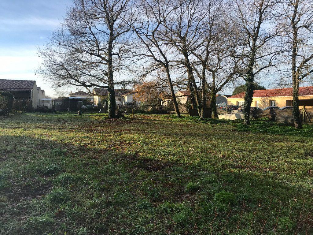 Terrain à vendre 0 1092m2 à Bourcefranc-le-Chapus vignette-1