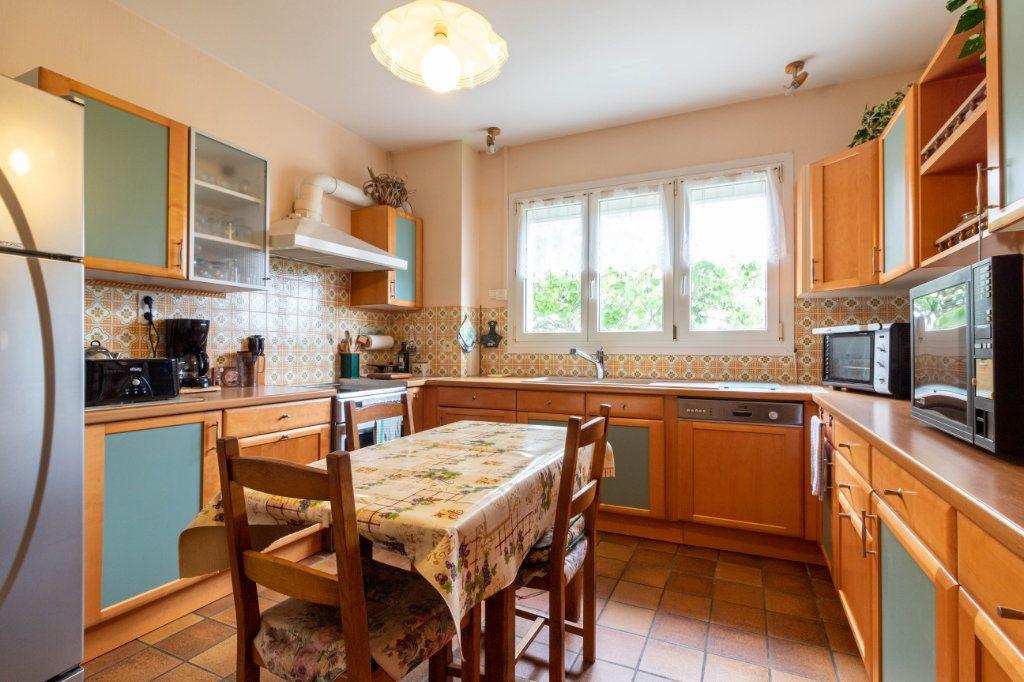 Maison à vendre 5 146m2 à Bourcefranc-le-Chapus vignette-2