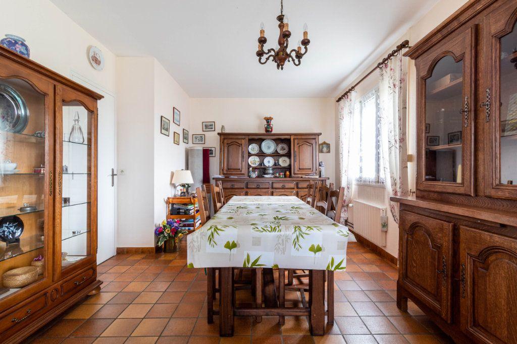 Maison à vendre 5 146m2 à Bourcefranc-le-Chapus vignette-5