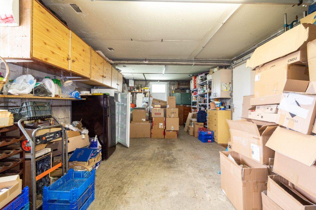 Maison à vendre 5 146m2 à Bourcefranc-le-Chapus vignette-11