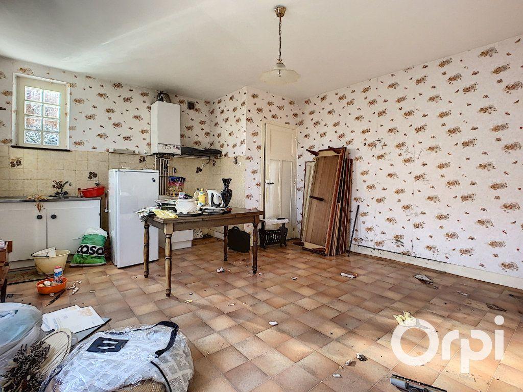 Maison à vendre 4 95m2 à Saint-Éloy-les-Mines vignette-2