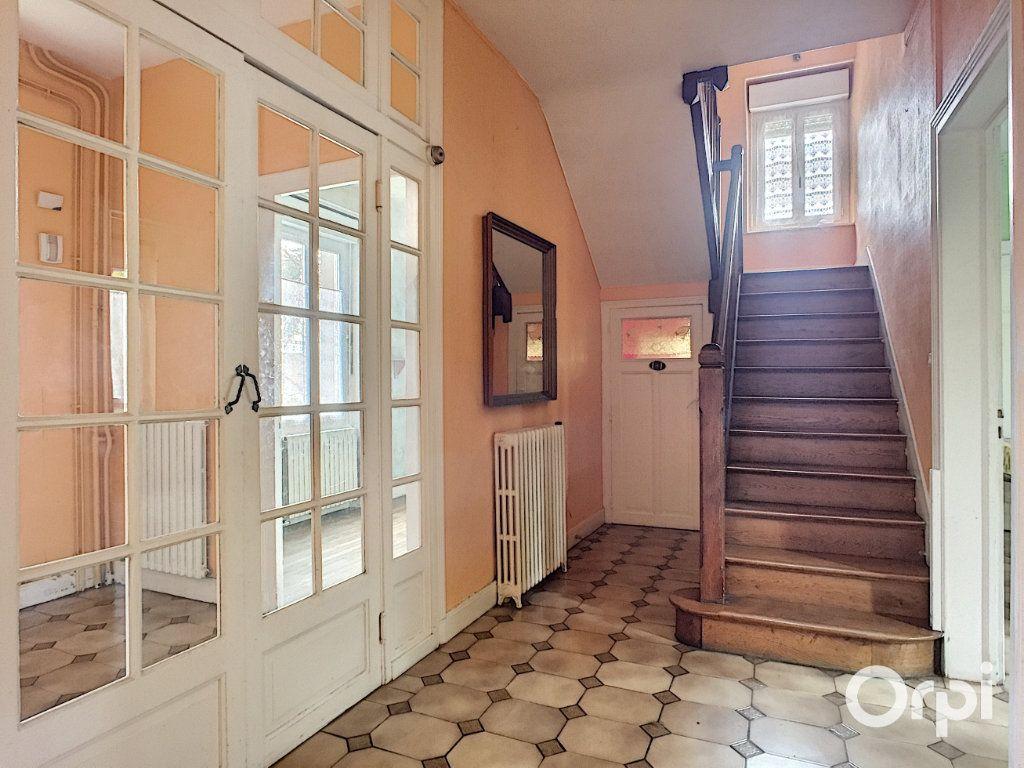 Maison à vendre 7 145m2 à Saint-Éloy-les-Mines vignette-2