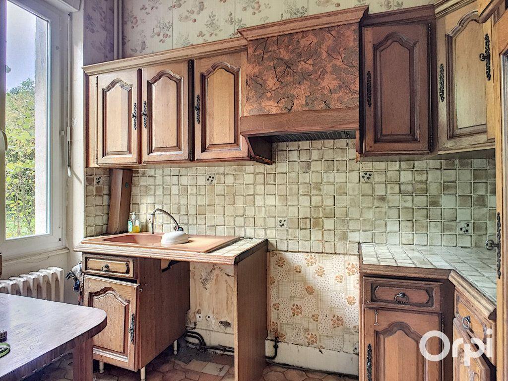 Maison à vendre 7 145m2 à Saint-Éloy-les-Mines vignette-6