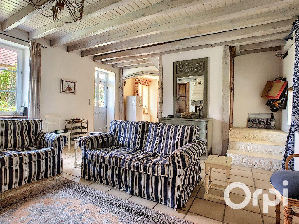 Maison à vendre 5 137m2 à Saint-Quintin-sur-Sioule vignette-1