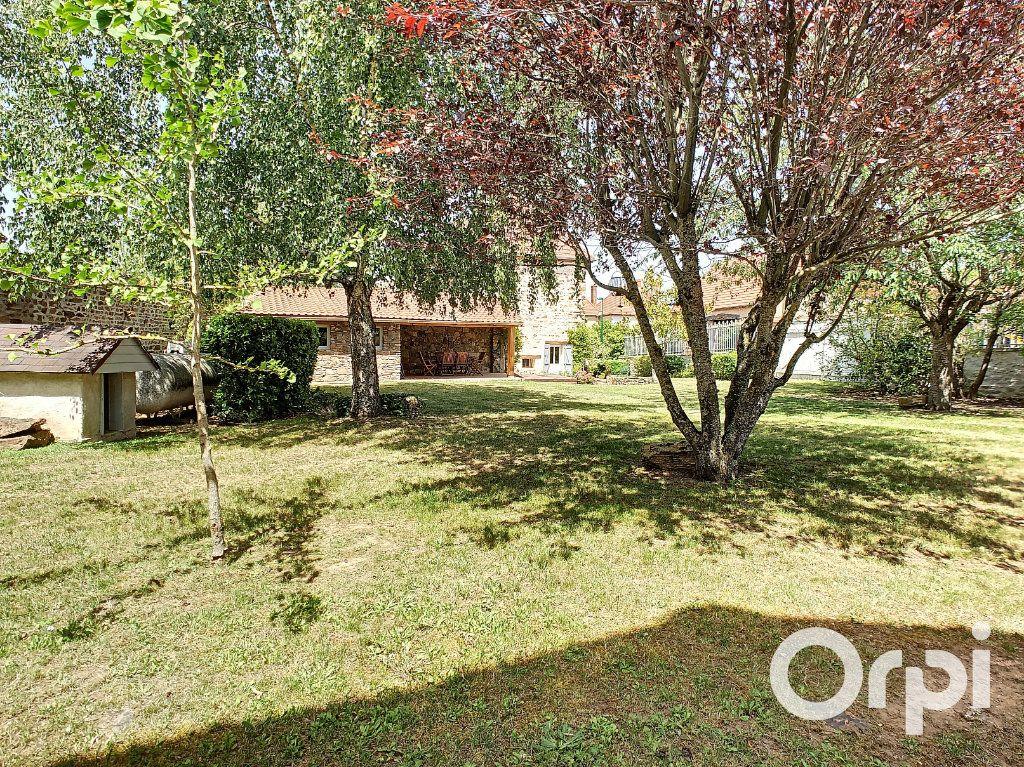 Maison à vendre 5 137m2 à Saint-Quintin-sur-Sioule vignette-2