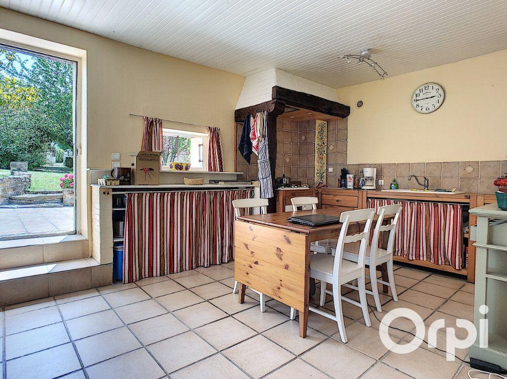 Maison à vendre 5 137m2 à Saint-Quintin-sur-Sioule vignette-3