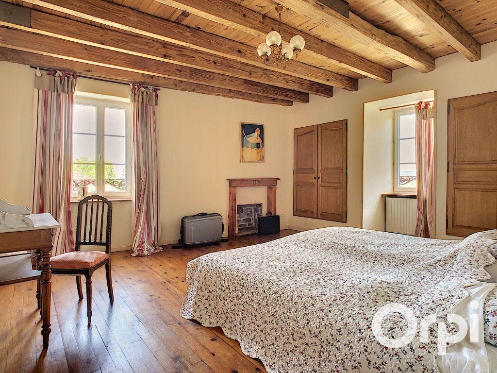 Maison à vendre 5 137m2 à Saint-Quintin-sur-Sioule vignette-7