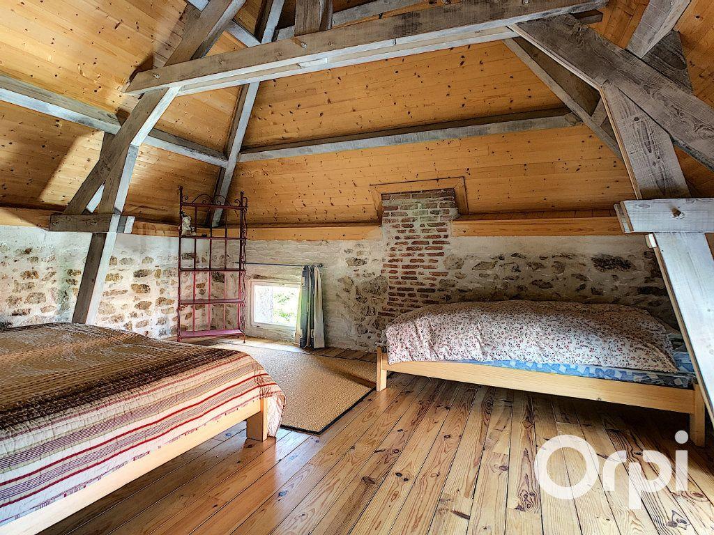 Maison à vendre 5 137m2 à Saint-Quintin-sur-Sioule vignette-9