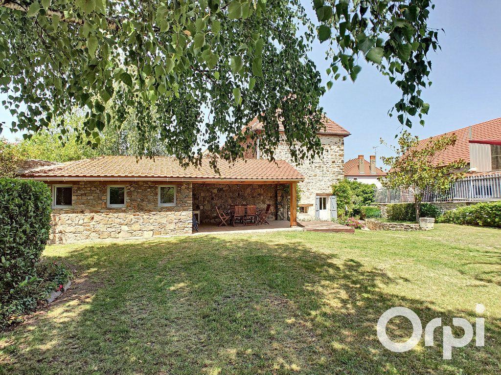 Maison à vendre 5 137m2 à Saint-Quintin-sur-Sioule vignette-11