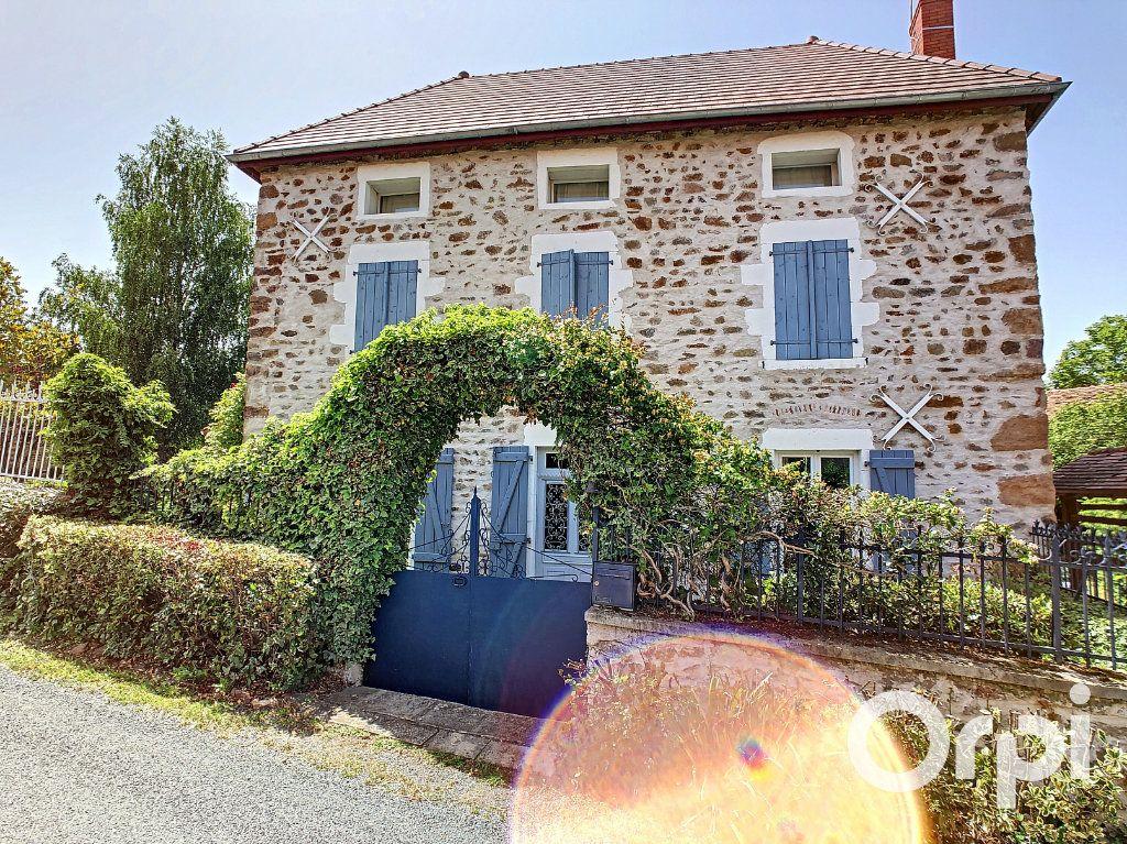 Maison à vendre 5 137m2 à Saint-Quintin-sur-Sioule vignette-13