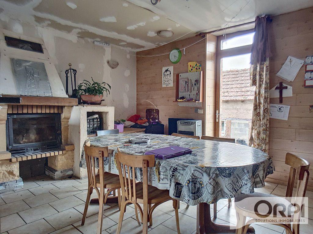 Maison à vendre 5 94.5m2 à Saint-Éloy-les-Mines vignette-4