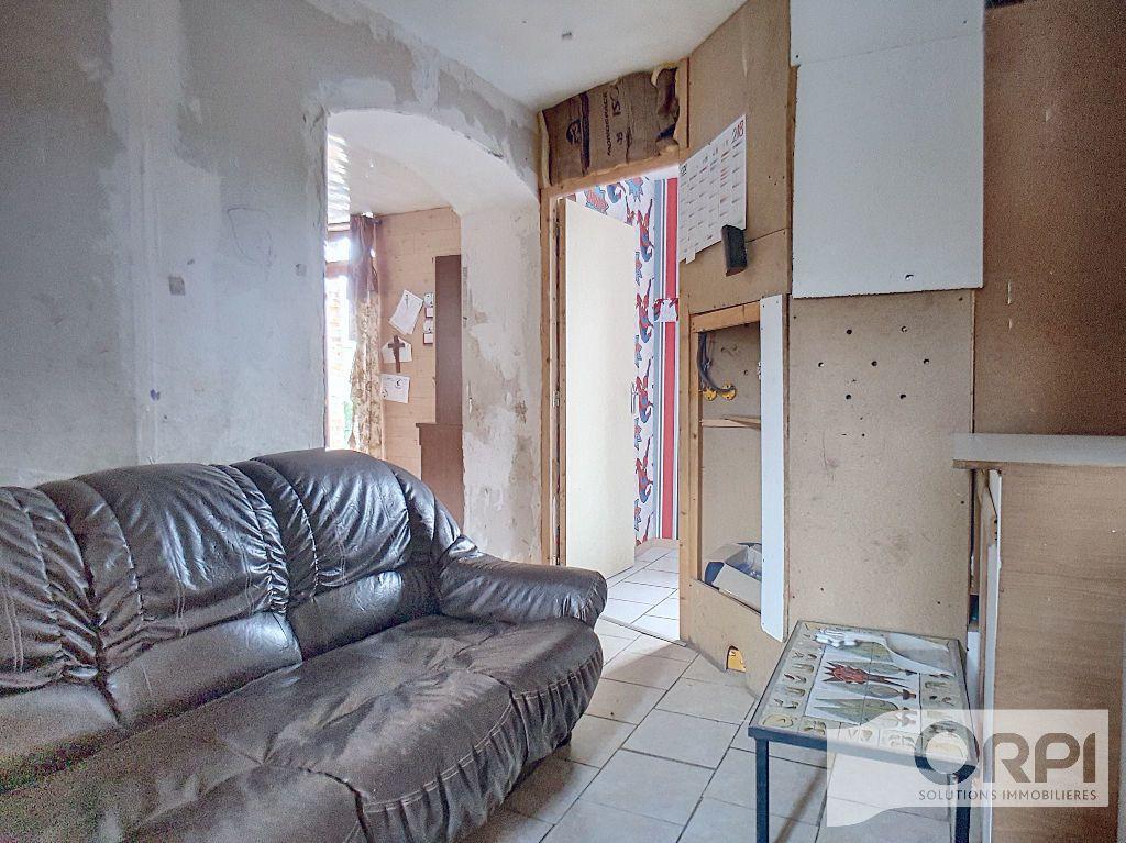 Maison à vendre 5 94.5m2 à Saint-Éloy-les-Mines vignette-6